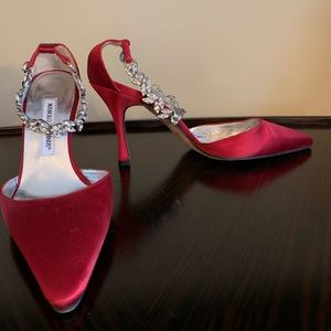 Manolo Blahnik red satin pumps 38.5 crystal strap